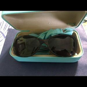 Tiffiny and company sunglasses